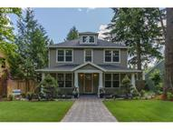 927 10th St Lake Oswego OR, 97034