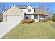 10540 Carrousel Woods Dr New Middletown OH, 44442