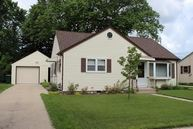 962 Lincoln Dr W West Bend WI, 53095