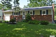 21 Meadow Haven Ln East Northport NY, 11731