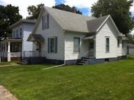 109 6th Street Lincoln IL, 62656
