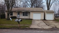 6824 Lawndale Ave Indianapolis IN, 46221