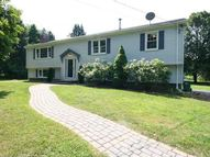 10 Orchard Rd Woodbridge CT, 06525