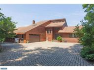 298 Vincent Dr Honey Brook PA, 19344