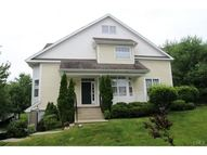 29 Woodcrest Lane 29 Danbury CT, 06810