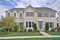 42 Continental Cir Totowa NJ, 07512