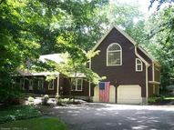 8 Country Village Clinton CT, 06413