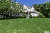 11 Fairfield Manor Dr Manorville NY, 11949