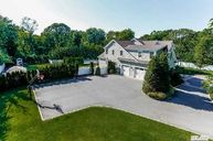 9 Holst Dr Huntington NY, 11743