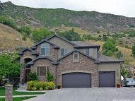 156 N Deer Hollow Cir Farmington UT, 84025