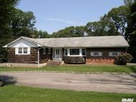153 Middleville Rd Northport NY, 11768