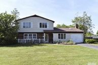 15 Valiant Dr South Setauket NY, 11720