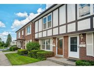 1718 Pickwick Lane Glenview IL, 60026