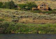 702 Riverside St Maupin OR, 97037
