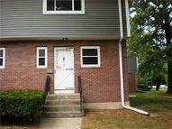 2 Camelot 6 Bloomfield CT, 06002