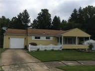 563 Mona Ln Youngstown OH, 44509