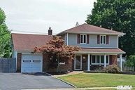 15 Marquette Dr Smithtown NY, 11787