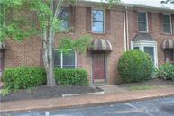 517 Williamsburg Nashville TN, 37214