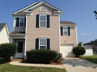 5104 Snowdrop Dr Charlotte NC, 28215