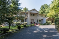 4 Debra Ct Scotch Plains NJ, 07076