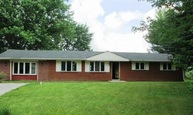 622 Lakeview Dr Zionsville IN, 46077
