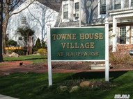 303 Towne House Vill Dr Hauppauge NY, 11749
