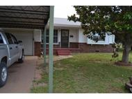704 Coventry Circle Cordell OK, 73632