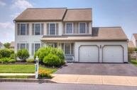 255 Cambridge Lane Lititz PA, 17543