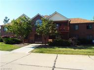 8663 Scenicview Dr D206 Broadview Heights OH, 44147