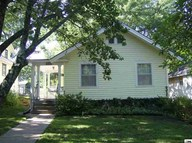 2211 Sw Kenilworth Ct Topeka KS, 66606