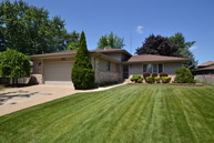 4910 Forest Court Oak Forest IL, 60452
