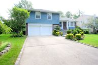 68 Shelbourne Ln New Hyde Park NY, 11040