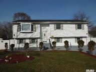 17 Yarnell St Brentwood NY, 11717