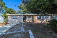 905 Valleydale Ave Deland FL, 32720