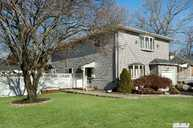 775 Carlton Rd West Babylon NY, 11704