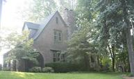616 Valley Dr Maumee OH, 43537