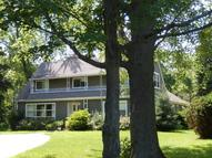 10033 N Sheridan Dr Mequon WI, 53092