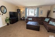 1029 Fenwood Dr 3 Valley Stream NY, 11580