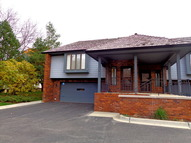 220 Red Top Drive Libertyville IL, 60048