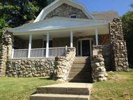 214 Cliff Drive Excelsior Springs MO, 64024