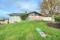 612 Sw 175th Place Normandy Park WA, 98166