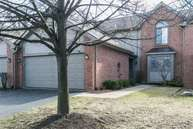 1033 Pinewood Ct Brighton MI, 48116