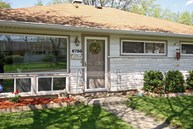 6730 E 49th St Lawrence IN, 46226