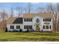11r Colonial Dr Clinton CT, 06413