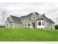 14 Lise Cir Suffield CT, 06078
