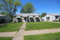 1009 40th St Moline IL, 61265