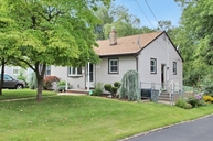 592 Mountain View Ter Middlesex NJ, 08846