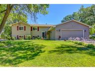 2288 Woodbridge Circle Roseville MN, 55113