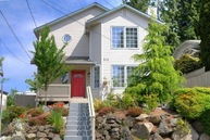 312 N 100th St Seattle WA, 98133