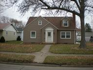 1209 North 3rd St Clinton IA, 52732